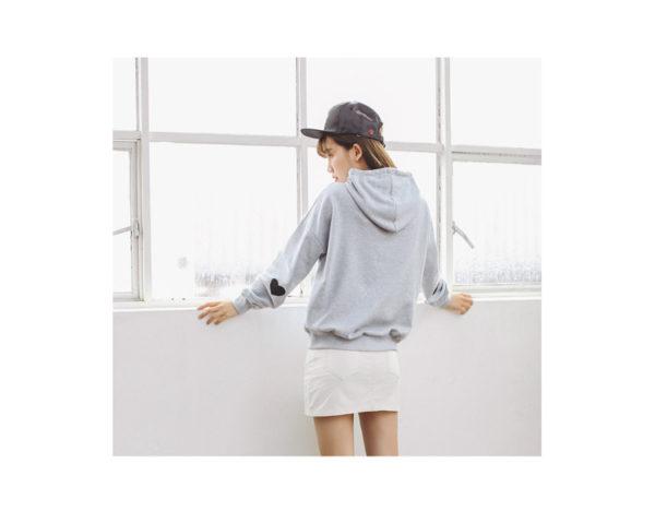 Jopica s kapuco in srčki na komolcih - hoodie siva
