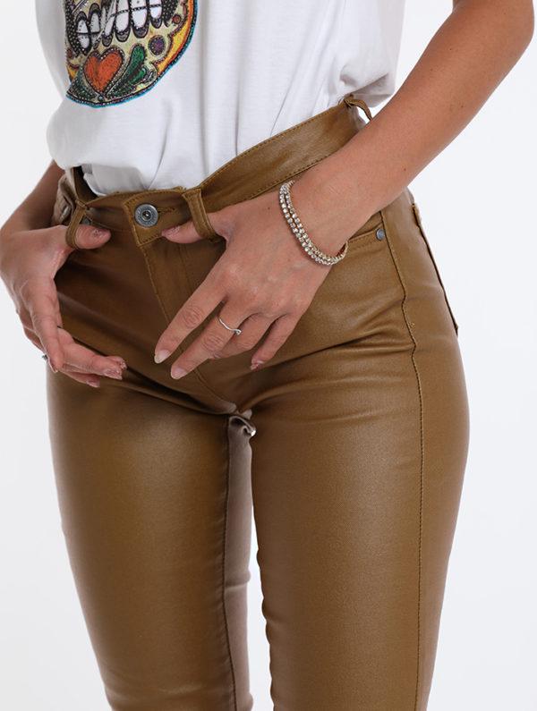 Rjave hlače iz eko usnja rjave barve