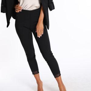Črne elastične hlače s čipko na spodnjem robu